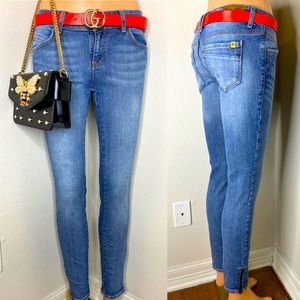 DIVINE RIGHTS OF DENIM Zippered Ankle Jean 27